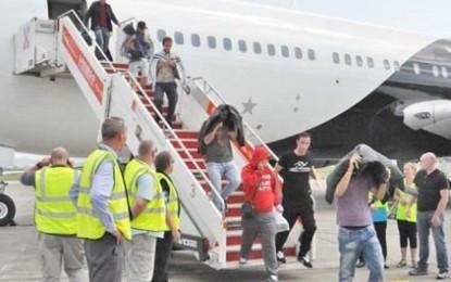 """42 mijë Shqiptarë u """"dëbuan"""", BE i zbriti në Tiranë"""