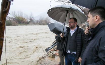 Reagon kryeministria për situatën problematike të përmbytjeve