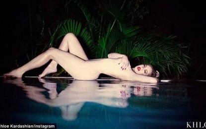 Khloe Kardashian pozon nudo
