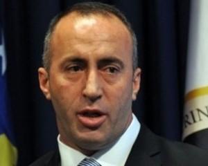 Haradinaj takim me qytetarët, mesazh kritikëve për koalicionin