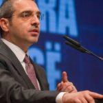 Tahiri: Politika e Tiranës merret me çadra, intriga dhe bllokime
