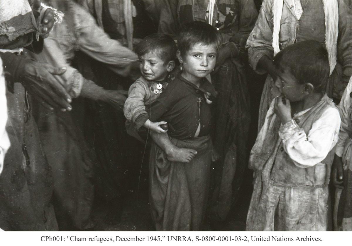 Foto tronditëse të dëbimit të çamëve nga Greqia më 1945