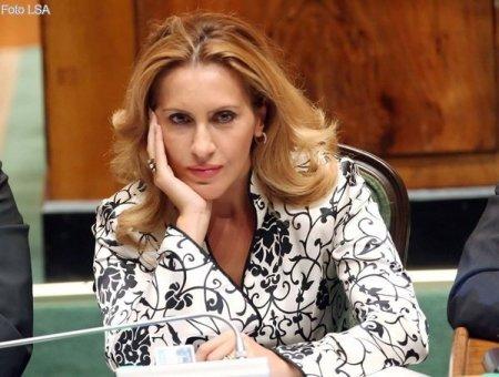 Shkarkimi i 4 ministrave. Bregu: Tentativë e Ramës për t'i treguar Metës se qeveris dhe pa të