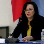 Drejtoresha e ISSH, Vjollca Braho, duke folur gjate nje mbledhje te grupit te punes per reform뮠ne sistemin e pensioneve.