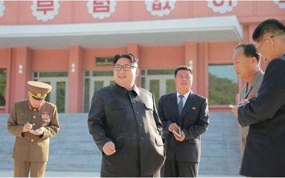 Diktatori i Koresë, fjalim kundër duhanit me cigare në dorë!