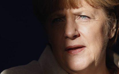 """Befason profesori Amerikan: """"Merkel një kërcënim më i madh se sa ISIS"""""""