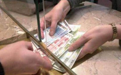 Kreditë/Bashkia tregon si ndahen 95 milionë lekë për 1 mijë familje