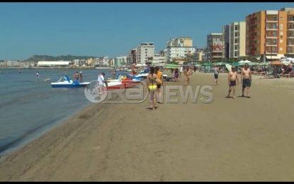 Sezoni turistik, gjendje alarmante nga ujërat e zeza në plazhe