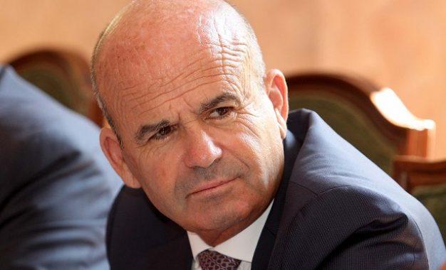 PD: Të gjithë tenderat e bashkive dhe ministrive për deputetin Abazi