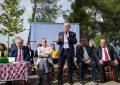 Meta shpërndan tapitë e legalizimeve në Durrës: Bregdeti në Ishëm, më i bukur se Jugu