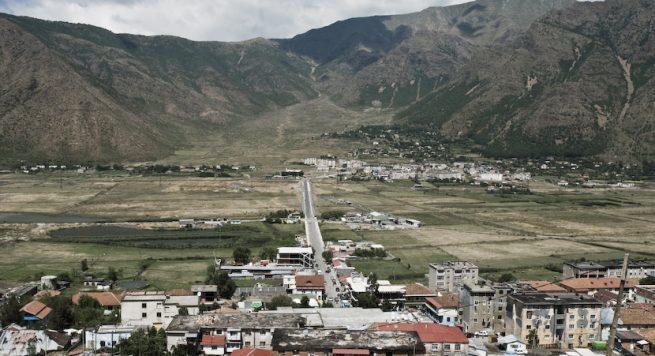 Tronditet Bulqiza  atentat në mes të qytetit