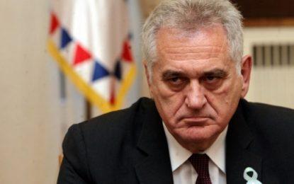 Zëvendësja e Vuçiç sulmon ashpër Nikoliçin: Ai e di pse nuk kemi ushtri në Kosovë