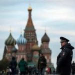 Moskë, mijëra vetë marshuan për të përkujtuar kritikun e Putinit, Nemtsov