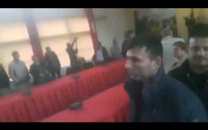 Qytetarët përzënë nga mbledhja kryebashkiakun Subashi (VIDEO)