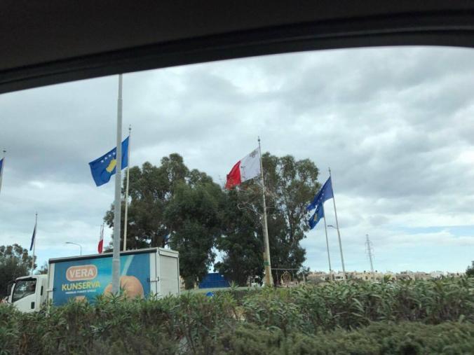 """Malta """"mbulohet"""" me flamujt e Kosovës"""