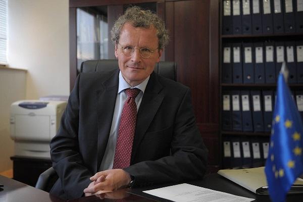 Ambasadori i OSBE: Qarkullojnë më shumë se 2 miliardë euro nga droga