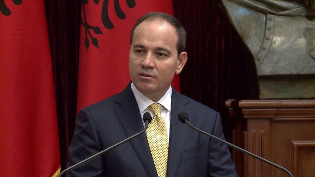 """Nishani hap """"luftë"""" me Ramën: Fatmir Xhafaj nuk meriton të jetë Ministër"""