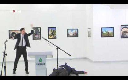 VIDEO/Momenti kur qëllohet me armë ambasadori rus në Turqi