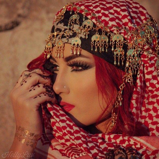 """Këngëtarja e kërkuar nga ISIS. Luv: """"Më duan të vdekur"""" (FOTO)"""