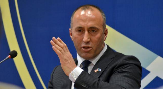 Avokati i Millosheviçit: Serbia ka prova të reja kundër Haradinajt