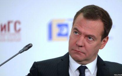 Medvedev rizgjedhet në krye të partisë Rusia e Bashkuar