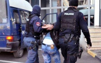 Arrestohen 6 persona në Fier, akuzohen për vepra të ndryshme penale