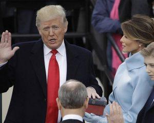 Donald Trump, zyrtarisht President i SHBA. Slogani i tij: Amerika e para !