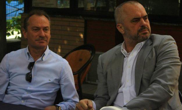 """Frika """"Kokëdhima"""". Edi Rama rikthen në krye të PS në Vlorë, Shpëtim Gjikën"""