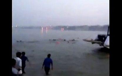 Fundoset anija, mbyten 21 persona në lindje të Indisë (VIDEO)