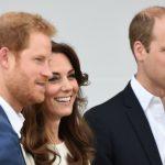 Princi William fillon e merr stafetën në oborrin mbretëror