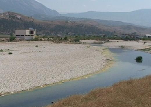 70 vjeçari shkoi për të mbushur ujë në lumin e Bunës dhe s'u kthye më
