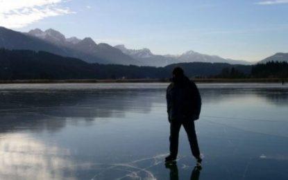 Vëllai i 40 vjeçarit që vdiq tek rezervuari i ngrirë: Po ruante bagëtitë, u bë kurioz nga akulli