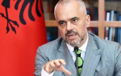 Rama: Serbët mund të shkojnë në Kosovë veç si turistë, po jo si zotë të vendit