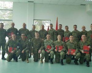 Ambasada e SHBA'së promovon ushtarët e FSK'së dhe sukseset e saj me marinsat amerikane (Foto)