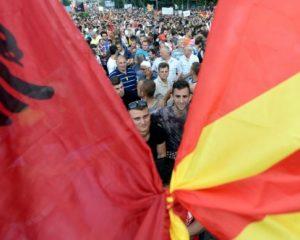 Serbët: Maqedonia po bëhet Shqipëri