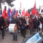 Nis protesta e Opozitës, mijëra njerëz marshojnë drejt Kryeministrisë