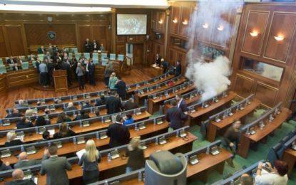 Opozita kërcënon me protestë nëse nuk respektohet rezoluta që pezullon dialogun