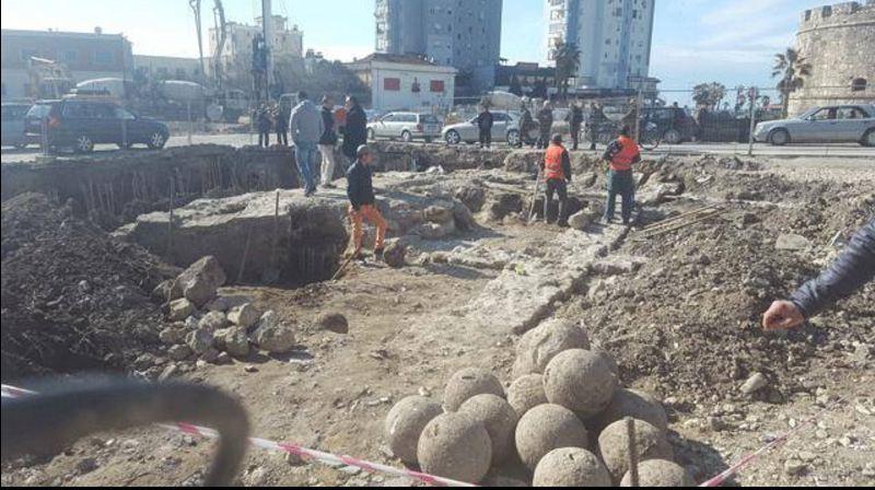 Veliera në Durrës  Protesta deri në të gdhirë për të