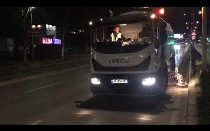 Video/ Ja si pastrohet Tirana natën me makineritë e reja