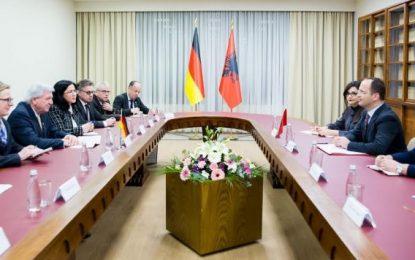 Ditmir Bushati: Ja marrëveshjet e arritura në Athinë