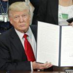 Trump nënshkruan urdhrin që shpërbën planin Obama për mbrojtjen klimatike