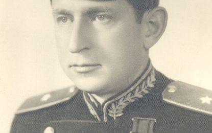 Përplasja e Enver Hoxhës me Tuk Jakovën: Të flemë me shoqet, t'i forcojmë?