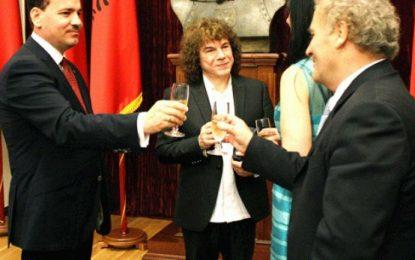 Visar Zhiti flet për sherrin me Presidentin Nishani