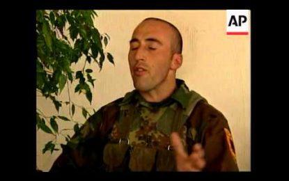 PAMJE TË RRALLA/ Kur Ramush Haradinaj hynte në Pejë dhe deklaronte sigurinë e serbve (VIDEO)