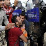 Serbia dhe Maqedonia marrin 30 milionë euro ndihmë nga BE-ja për refugjatët