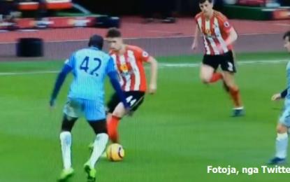"""VIDEO/ I harruar prej kohësh, Januzaj """"frikëson"""" kundërshtarët e Manchester City"""