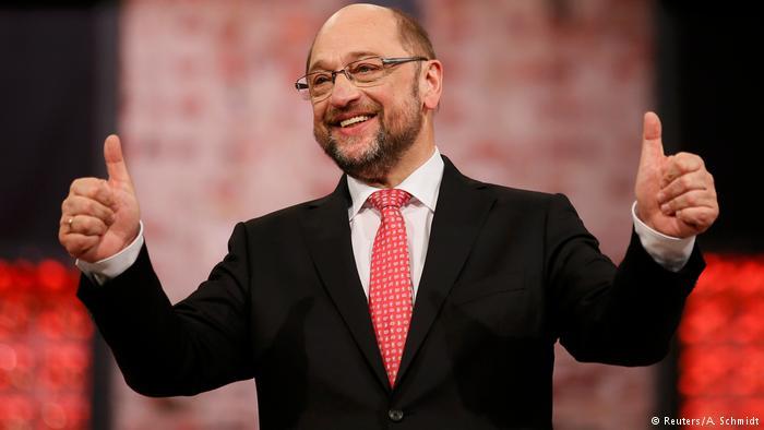 Schulz fiton 100% të votave