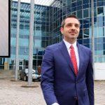 Saimir Tahiri del në konferencë për shtyp