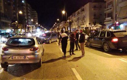 VIDEO-FOTO/ Aksident i frikshëm në Vlorë, shkatërrohen disa makina
