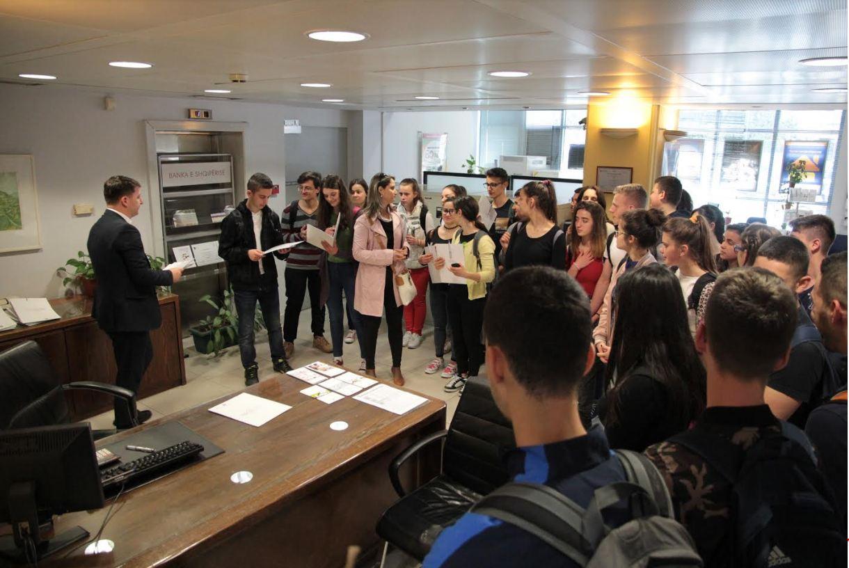 Alpha Bank Albania – Edukim financiar për të rinjtë për Javën e parasë